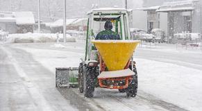 Winterdienst/ Schneebeseitigung
